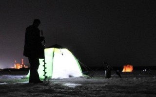 Зимняя рыбалка ночью – снаряжение, способы, тактика и техника ловли