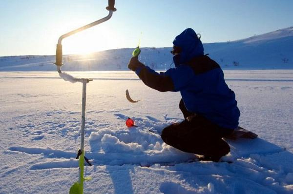 Рыболовный ледобур