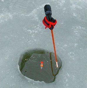 Зимняя поплавочка