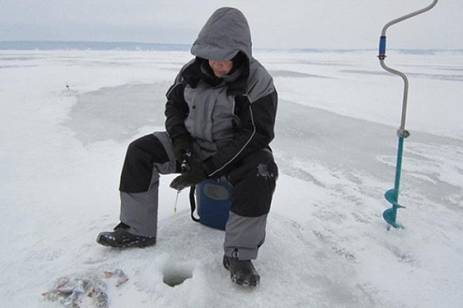 Зимний рыбак